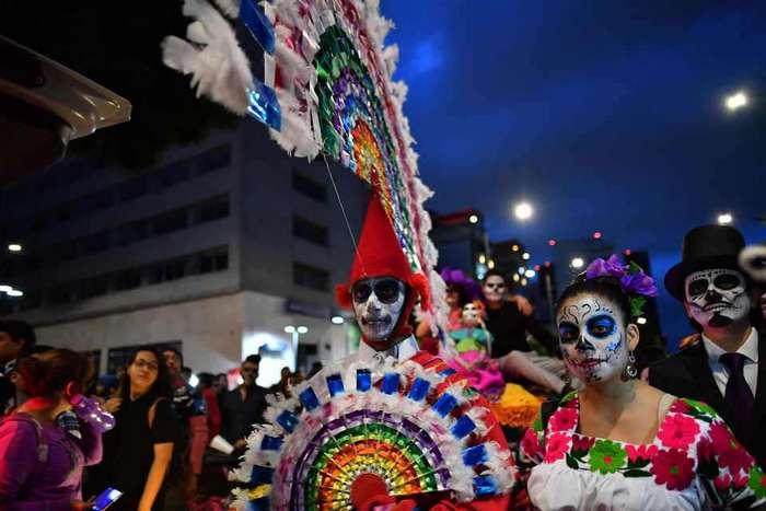 Подготовка ко Дню мертвых в Мексике