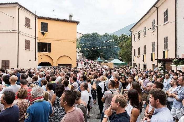 Ну что ж вы страшные такие: в Италии прошел ежегодный фестиваль уродливых людей
