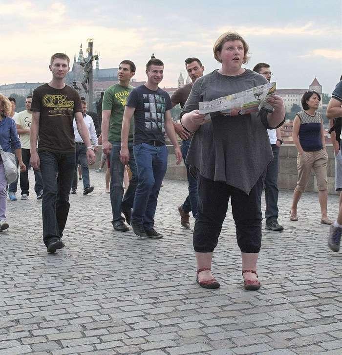 «Весонаблюдатели»: фотопроект о том, как люди реагируют на пышные формы