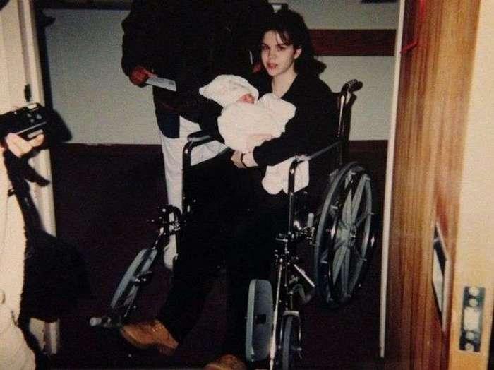 «Мне 15, и я беременна»: история юной мамы из США растрогала мир