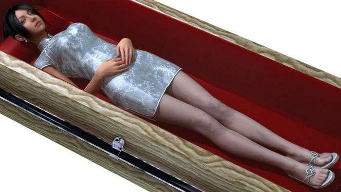 Китайская секс-кукла выглядит как 12-летняя девочка и находится в гробу