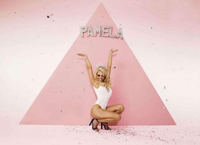 Памела Андерсон снялась в рекламе британского бренда модной одежды
