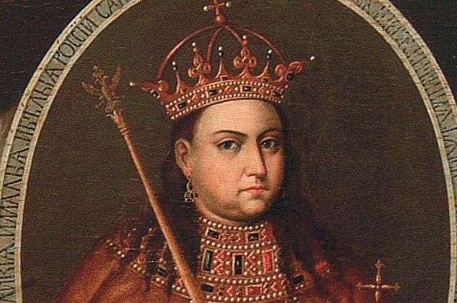 За что  Пётр I сослал жену в монастырь