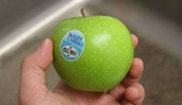 Для чего нужны наклейки на овощах и фруктах?