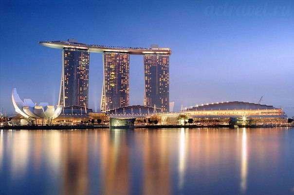 Гостиница Марина-Бэй в Сингапуре.