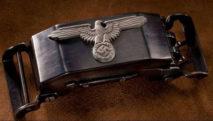 Пряжка-пистолет нацистских офицеров