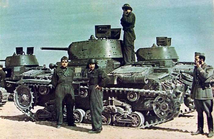 История танкового шлема