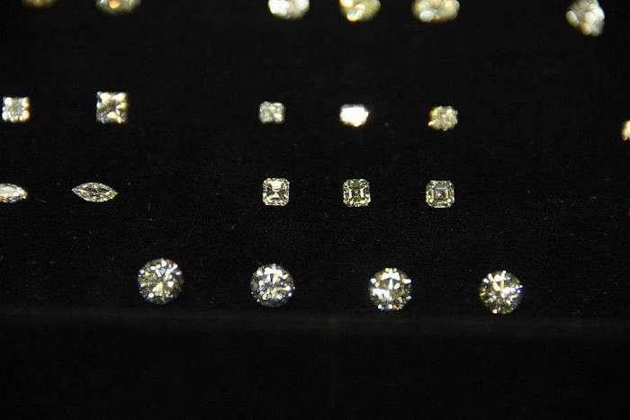 Как алмазы превращаются в лучших друзей девушек