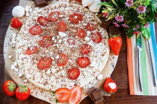 Клубника. 5 оригинальных рецептов от московских шеф-поваров