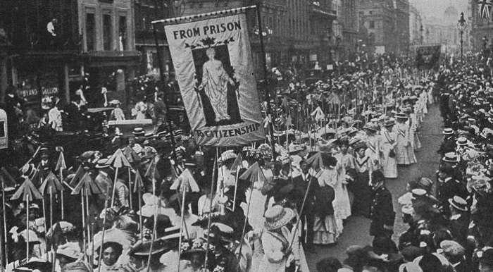 Когда снимались все запреты: цикличность сексуальных революций