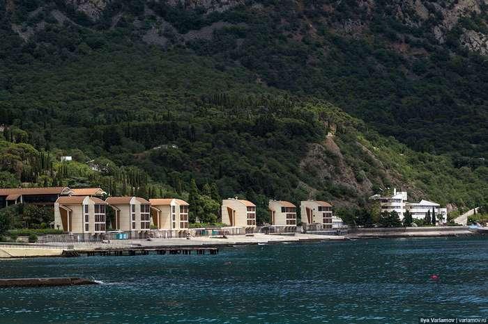 Курортный сезон в Крыму: во что превратили «Артек»