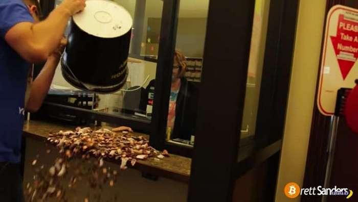 Лучше не мстить при помощи монеток!