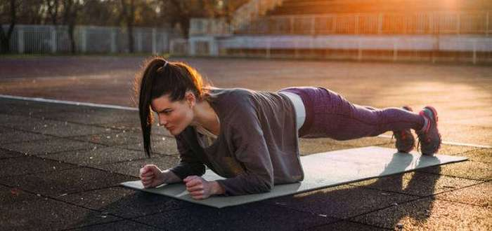 Одно упражнение по 4 минуты в день — и через месяц у вас будет новое тело!
