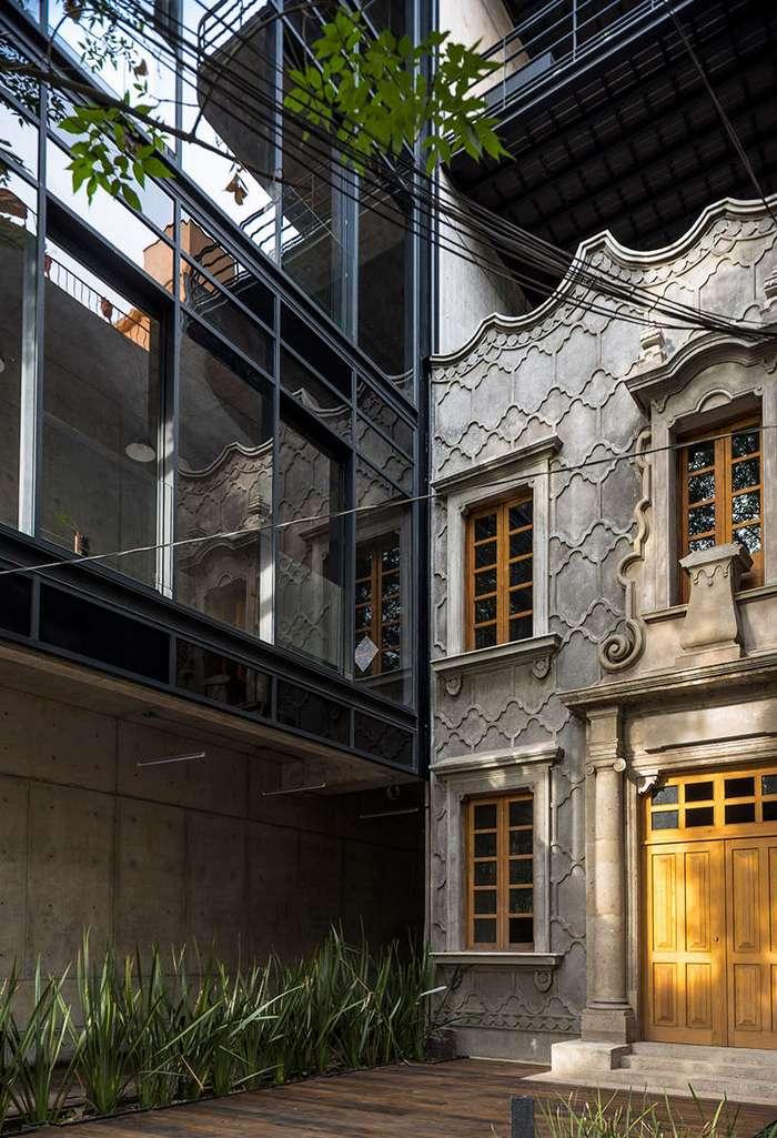 Офисы в историческом здании в Мехико