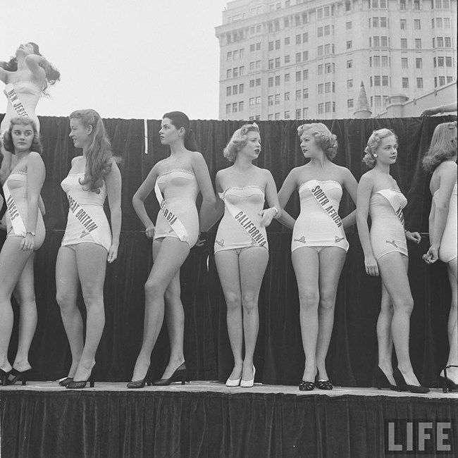 Первый в истории конкурс «Мисс Вселенная»