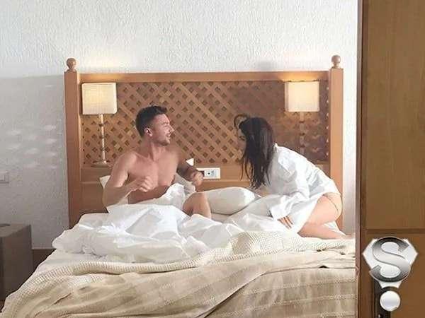 В отеле занимается сексом