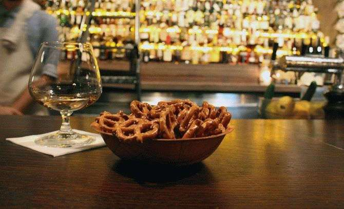 «Правило пяти секунд» и другие секреты ресторанов, о которых вы не знали