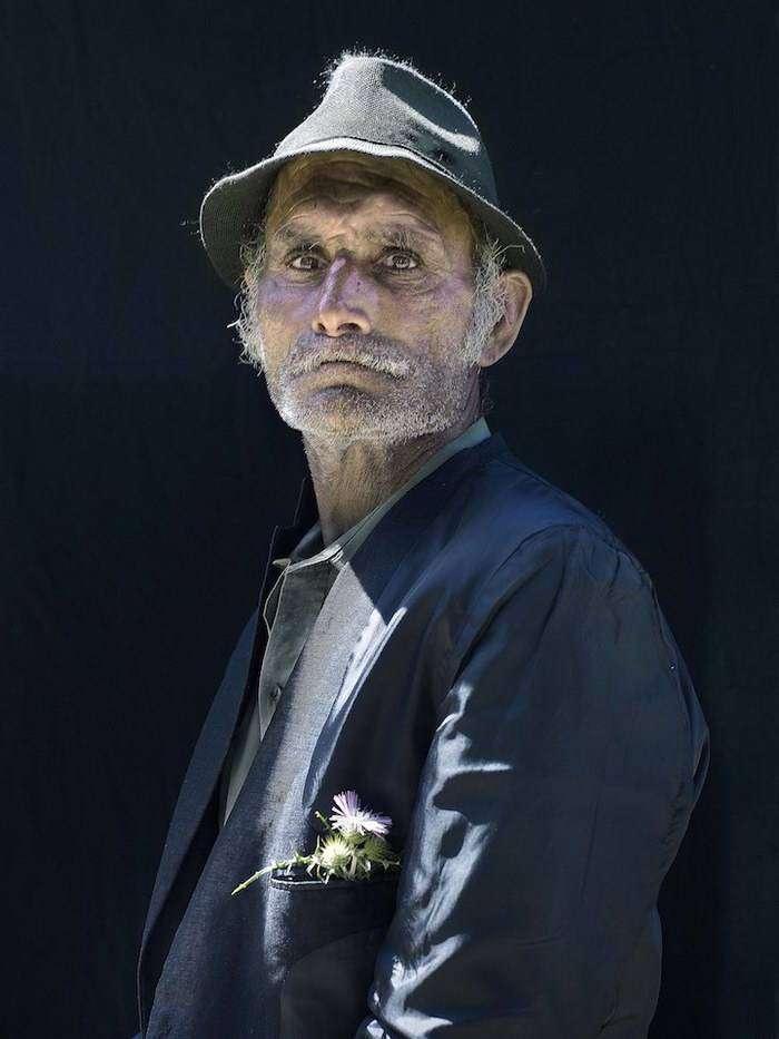Пронзительные портреты пиренейских цыган в стиле старинных картин