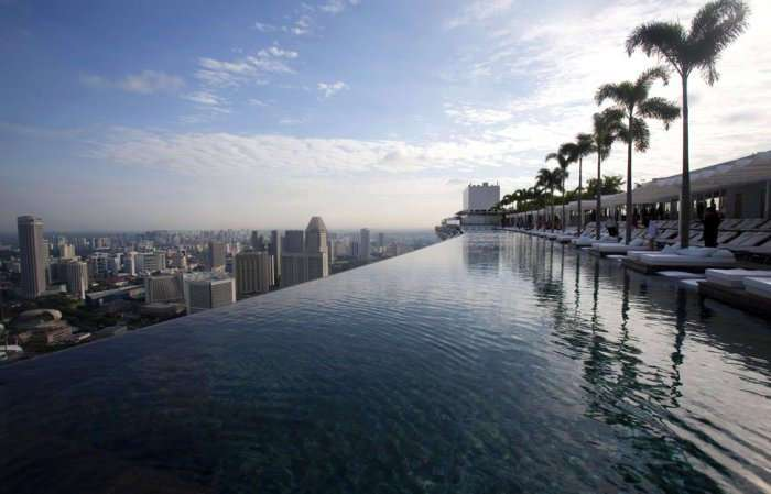 Самые необычные плавательные бассейны в мире