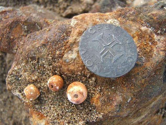 Счастье привалило: в пустыне найден 500-летний корабль с золотом на 13 млн долларов