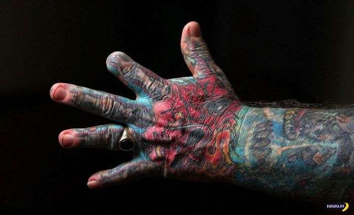 Старый бандюга и его татуировки