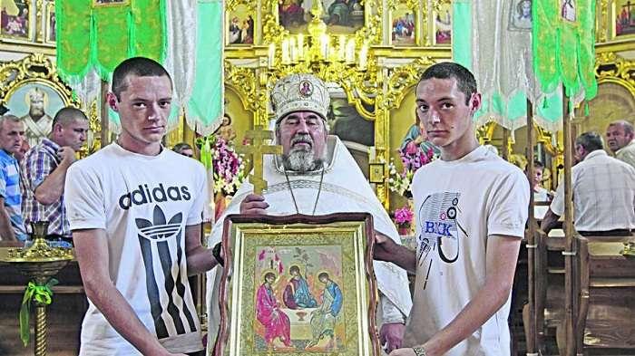 Столица близнецов: украинская деревня, где живут более сотни близнецов