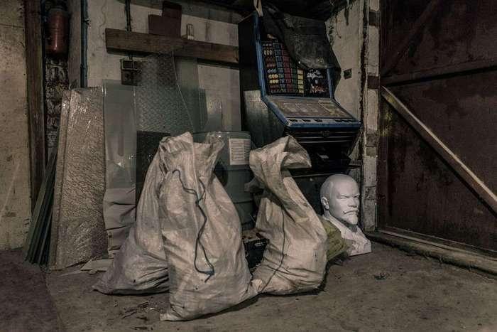 Украинский «ленинопад»: куда исчезают памятники Ленину
