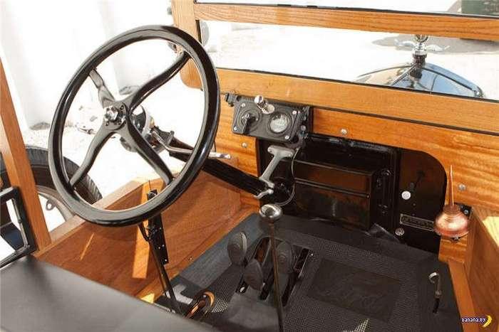 Внутри Ford Model T