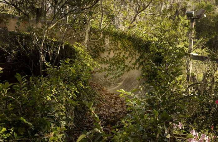 Заброшенный таинственный Дисней-парк