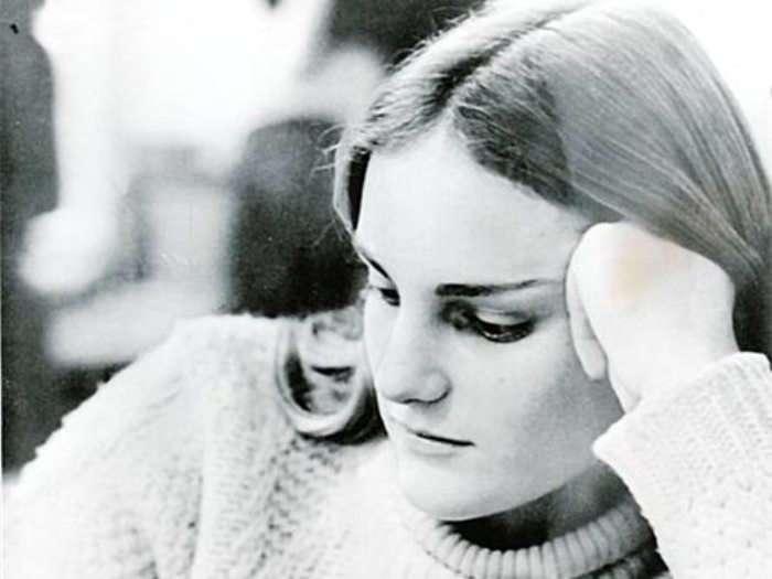 Жертвы, которые влюбились в своих мучителей: шокирующие примеры «стокгольмского синдрома»