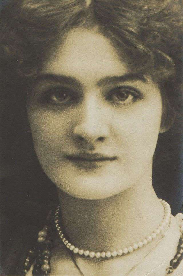 Жизнь как вспышка: как сложилась судьба самой фотографируемой девушки начала XX века