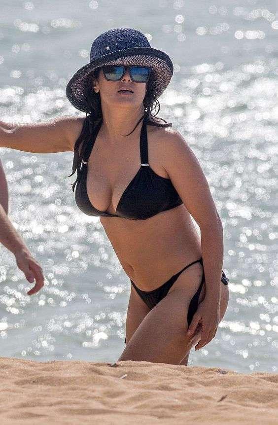 Фото английские знаменитости на пляже, порно видео русская матюра