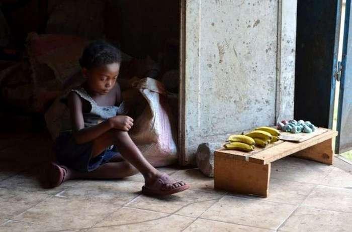 Африканская девочка, которая живёт в холодильнике