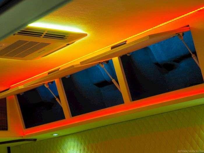 Вип-офис внутри грузового фургона Citroen