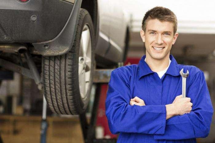 5 мифов об автомобилях, на которые водители тратят много денег