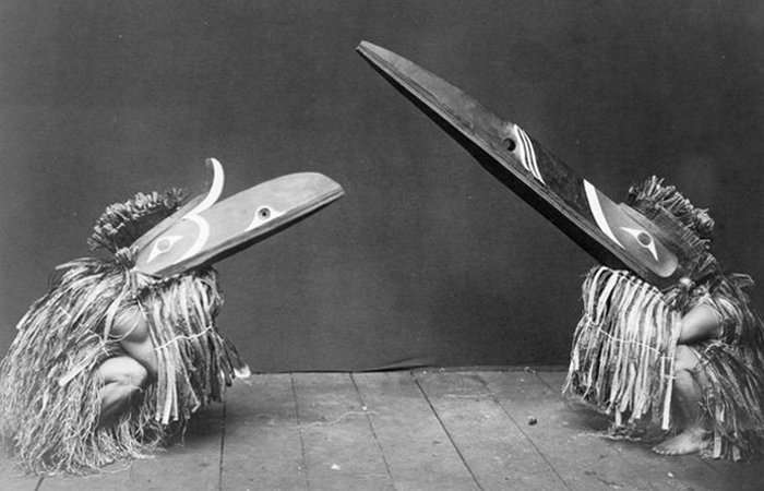 10 потрясающих церемониальных древних костюмов