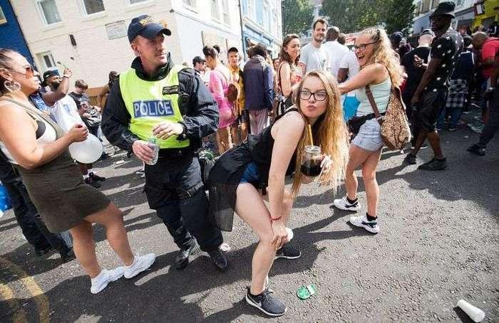 Карнавал в Ноттинг-Хилле окончился поножовщиной и рекордными задержаниями