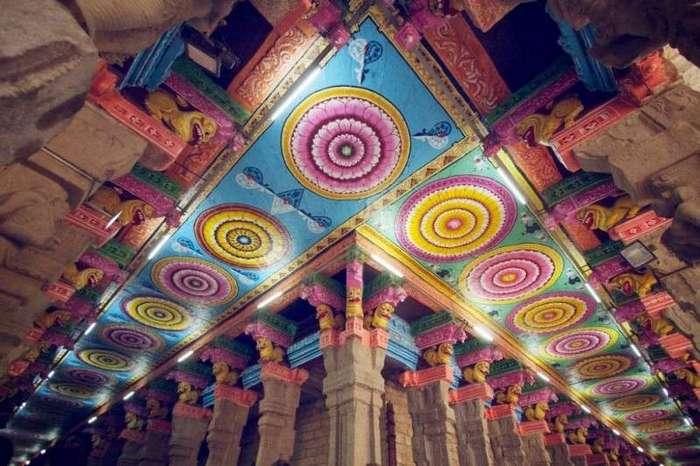 Необычная и прекрасная архитектура индийского храма Минакши (11 фото)