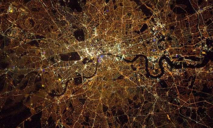 Лондон, Великобритания с высоты 400 км