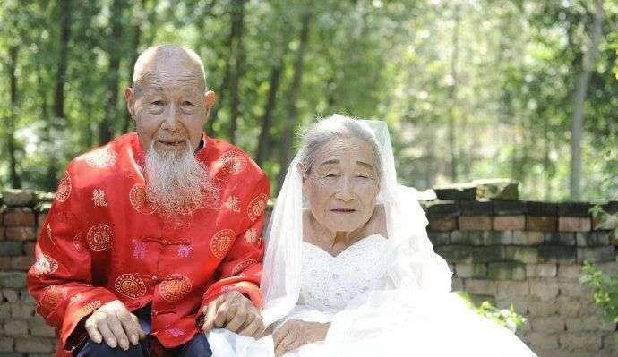 Первые свадебные фото после 80 лет брака (6 фото)