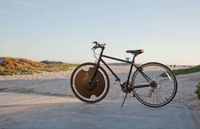 Колесо-аккумулятор позволит превратить ваш обычный велосипед в электронный