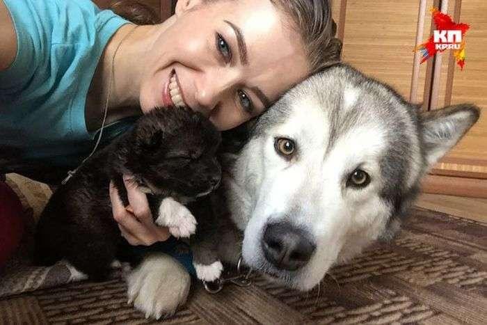 Как девушка новорожденного щенка спасала
