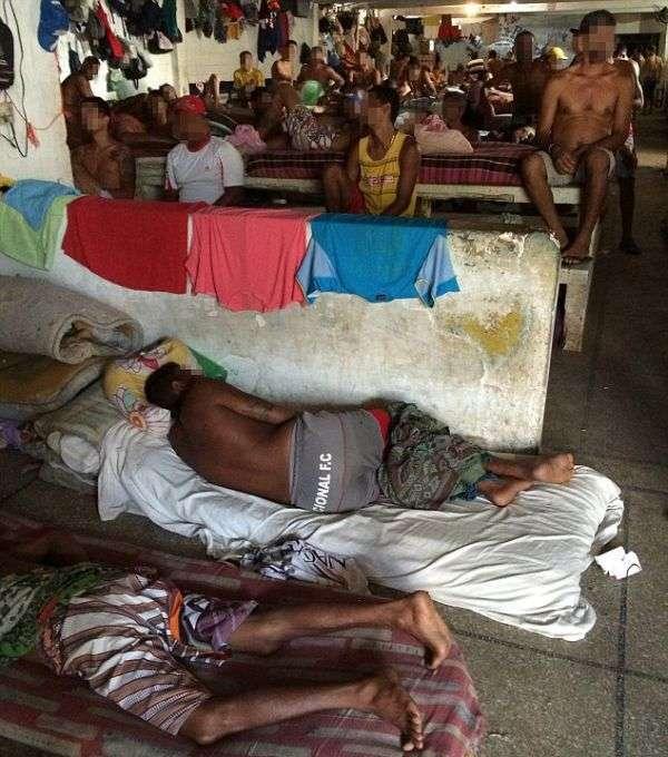Бразильские тюрьмы – ад на Земле (13 фото)