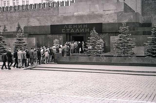Приказано вынести. История тайных похорон Иосифа Сталина
