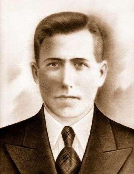 Записка в смертном медальоне павшего советского война (7 фото)