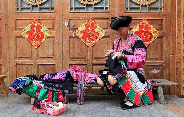 Деревня девушек Рапунцель или древняя китайская община, где женщины не стригут свои волосы