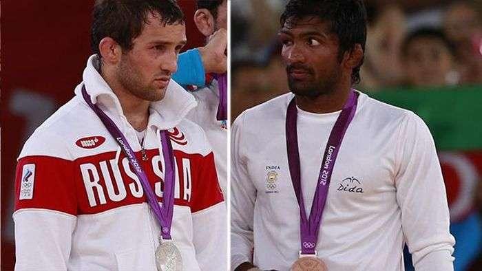 Борец из Индии отказался от олимпийской медали погибшего россиянина