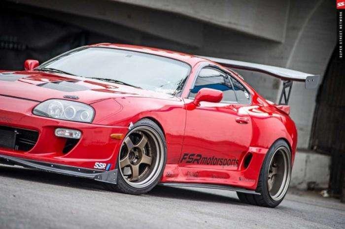 Атмосферная Toyota Supra на дросселях (18 фото)