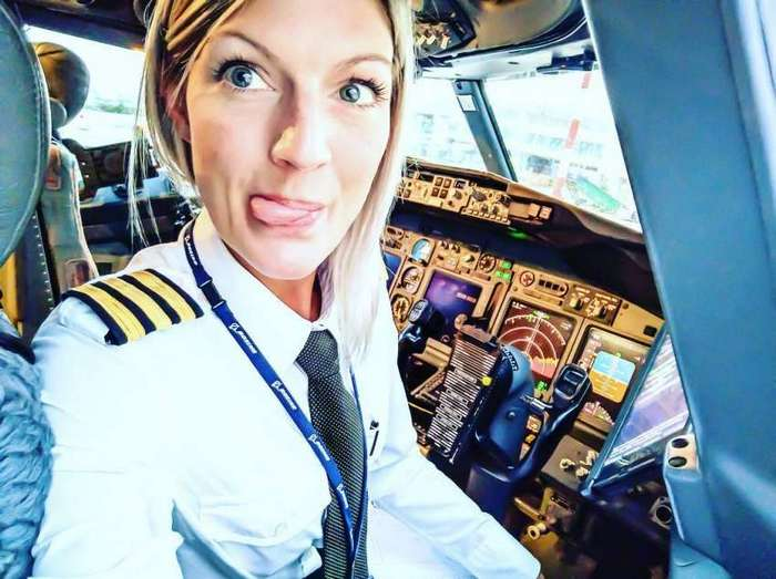 Сексуальная блондинка-пилот из Швеции по имени Мария стала звездой Instagram