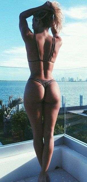 Криштиану Роналду на отдыхе с фитнес-моделью Кассандрой Дэвис